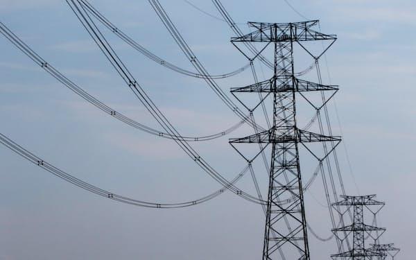 発送電分離によって送配電部門の中立性を高める。