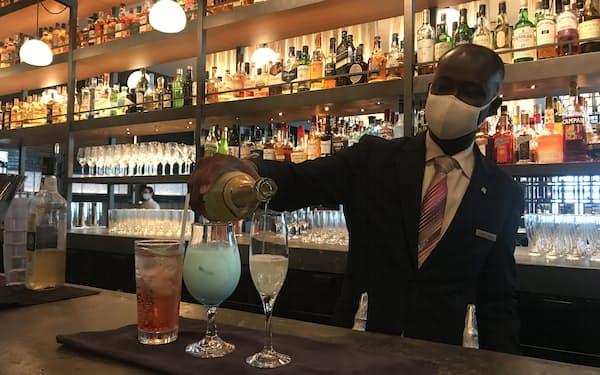 ノンアルカクテルやシャンパンなどを提供する「ロウリーズ・ザ・プライムリブ 赤坂」(東京都港区)