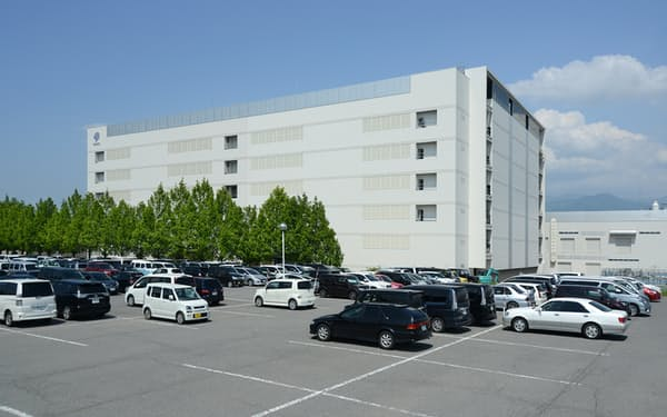 新光電気工業の業績は半導体需要の高まりを背景に好調だ(長野県中野市の工場)