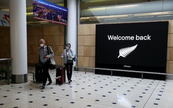 ニュージーランドの純移民数は2020年度、6600人に減少した=ロイター
