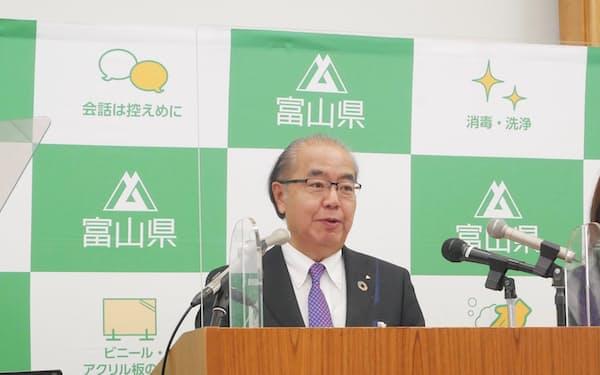 新田八朗知事は「秋ごろに目標を策定し、改革を進めていく」と話した(18日、富山市)