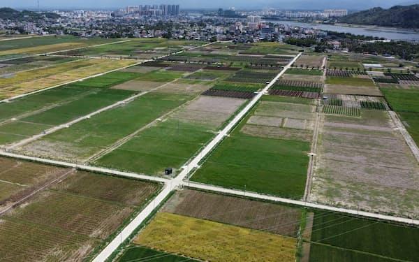 海南島は農作物の実験栽培地が広がる(5月)