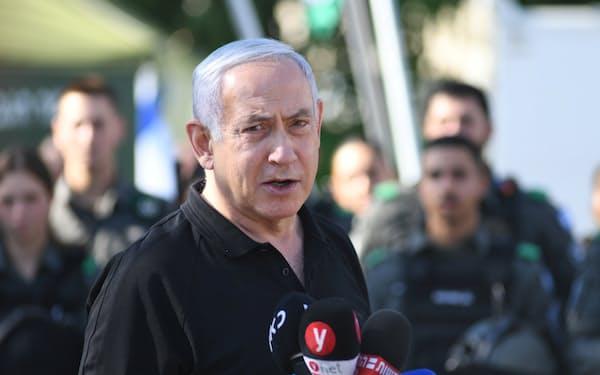 イスラエルのネタニヤフ首相は「危機の指導者」として存在感を増す(13日)=ロイター