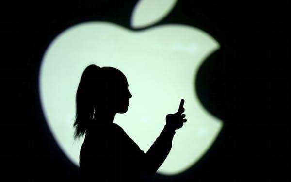 中国における対応はプライバシーを「基本的人権」と位置づけるアップルの日ごろの主張と食い違うとの指摘もある=ロイター