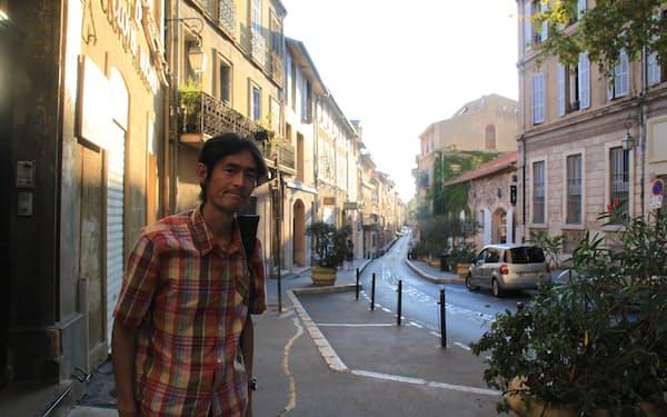 合宿で訪れた仏カンヌの裏通りの街並み