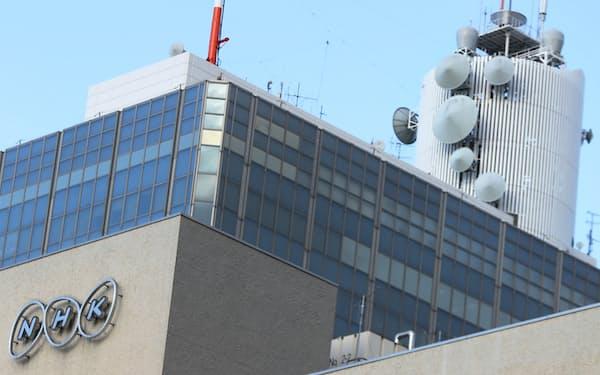 放送法改正案は、NHK受信料の引き下げの原資となる積立金制度を導入することなどが柱だ