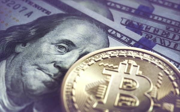 ビットコイン価格の下落が続いている=AP