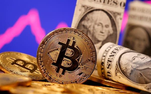 ビットコインは一時、前日比30%も下落した=ロイター