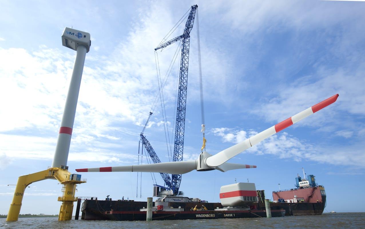 洋上風車の設置で必要な大型クレーンの需要を開拓する