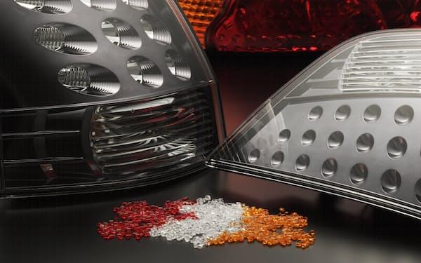 三菱ケミカルのMMAは自動車のテールランプカバーなどに使う