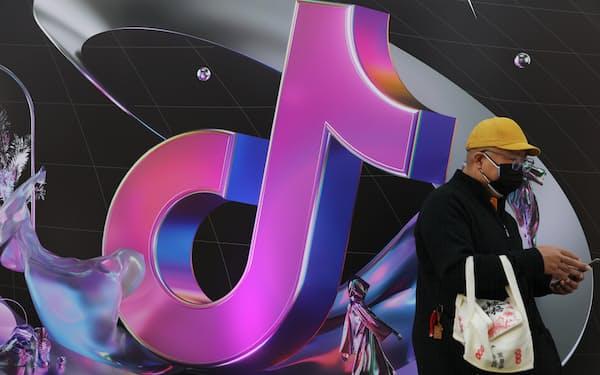 ティックトックの中国版「抖音(ドウイン)」は利用者が6億人を超える=ロイター