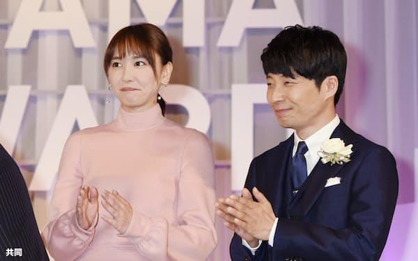 新垣さんと星野さんが共演した「逃げるは恥だが役に立つ」のもう一つのテーマは格差問題だ=共同