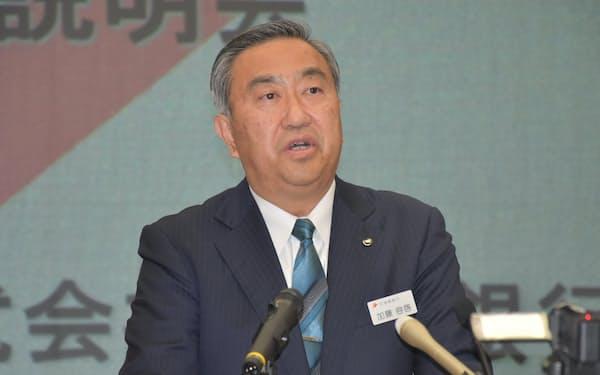 福島銀の加藤社長は「SBIと二人三脚で進む」と強調した(12日、福島市の本店)