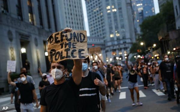 警察に対する抗議行動がさらなる治安悪化につながった都市もある=AP