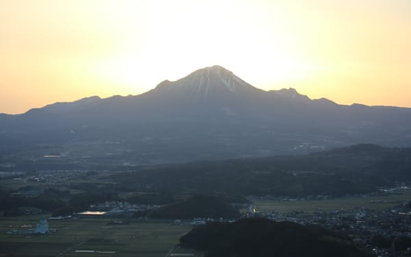 伯耆富士とも称される大山に魅力を感じて移住する人が多い