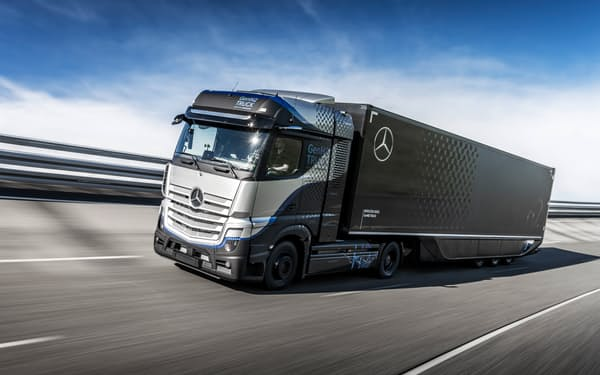 ダイムラー・トラックが開発中の燃料電池トラック=同社提供