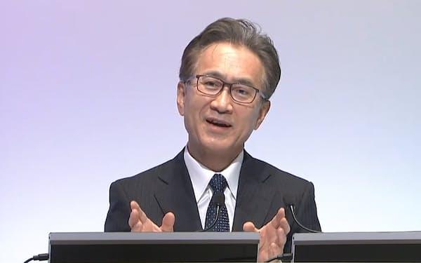 経営方針についてオンラインで記者会見するソニーグループの吉田会長兼社長(26日)