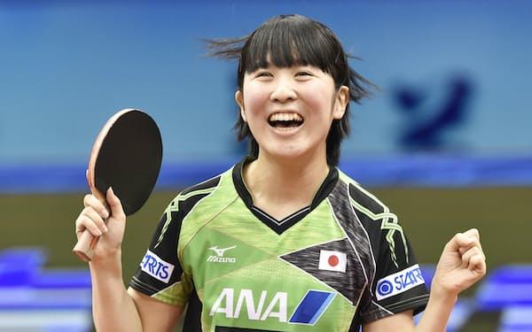卓球の平野美宇選手は「(東京五輪開催に)いろいろな意見があるのはわかるけど、選手としては五輪で戦いたい」と語った。アスリートの至極まっとうな本音だと思う(写真は2017年)=共同