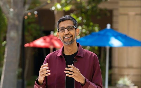 開発者会議「グーグルI/O」で講演した米グーグルのピチャイCEO(18日、米カリフォルニア州マウンテンビュー市)