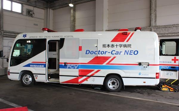 トヨタ自動車が熊本赤十字病院と開発した燃料電池ドクターカー(熊本市)