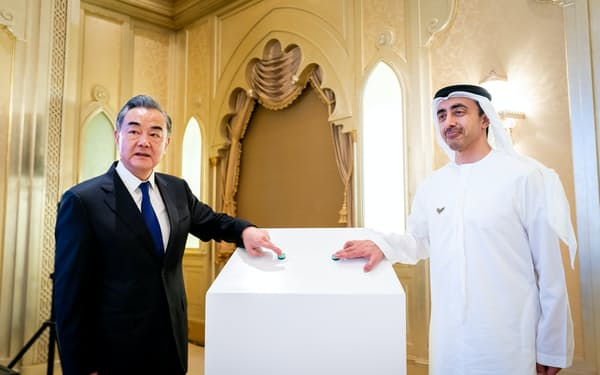 3月、アラブ首長国連邦(UAE)を訪問した中国の王毅(ワン・イー)国務委員兼外相=ロイター
