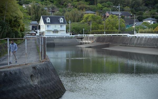 チッソがメチル水銀を流した百間排水口。健康被害とともに差別偏見も生んだ(熊本県水俣市)