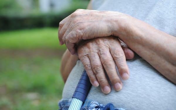 高齢者が元気に過ごせる期間を延ばす支援が必要だ