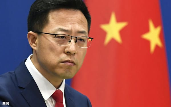 記者会見する中国外務省の趙立堅副報道局長=北京(共同)