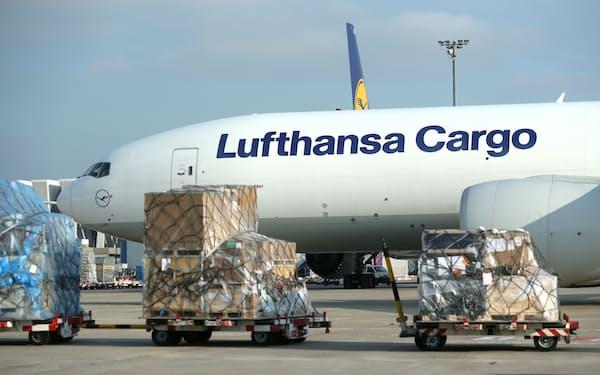 航空貨物も大幅に回復している=ロイター