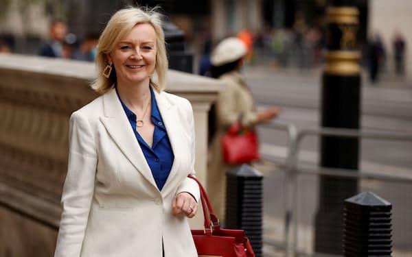 G7のオンライン貿易相会合で議長役を務めたトラス英国際貿易相(写真は11日、ロンドン)=ロイター