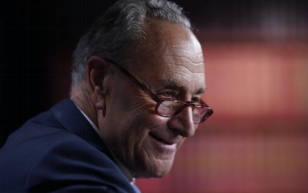 民主党の上院トップ、シューマー院内総務は共和党を非難した=AP