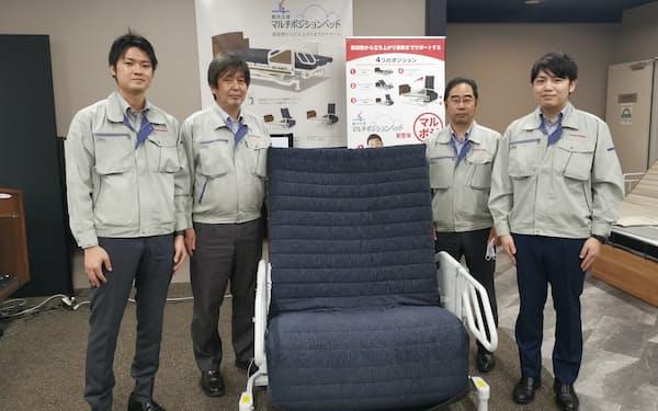 開発チームのメンバー。右から石橋さん、緑川さん、岡田さん、飯島さん
