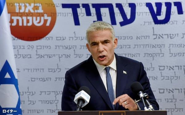 「反ネタニヤフ首相」の連立交渉を主導する最大野党のラピド党首(5月31日、エルサレム)=ロイター
