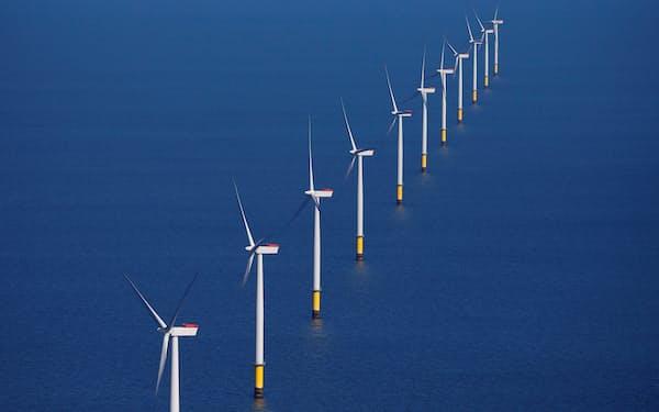オーステッドは投資を拡大し、洋上風力の世界首位を固める=ロイター
