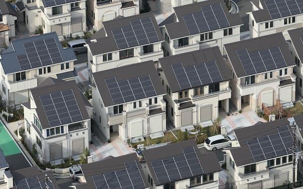 政府の素案では住宅への太陽光パネルの設置義務化は見送った