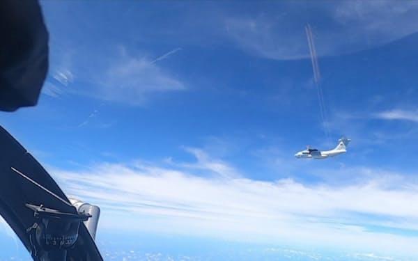 マレーシアが領空侵犯を主張する中国軍機(5月31日、ボルネオ島沖の上空)=マレーシア空軍のツイッター