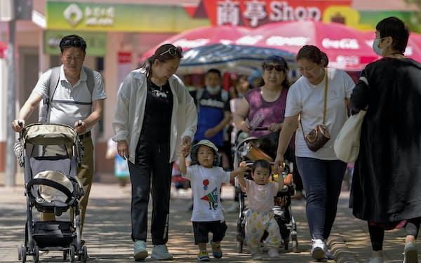 中国は3人目の出産を認める方針を示した=AP