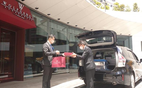WDIは展開するステーキ店でタクシー配送を拡大