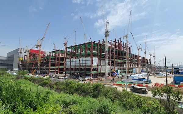 サムスン平沢キャンパスでは第3棟の建設が進む