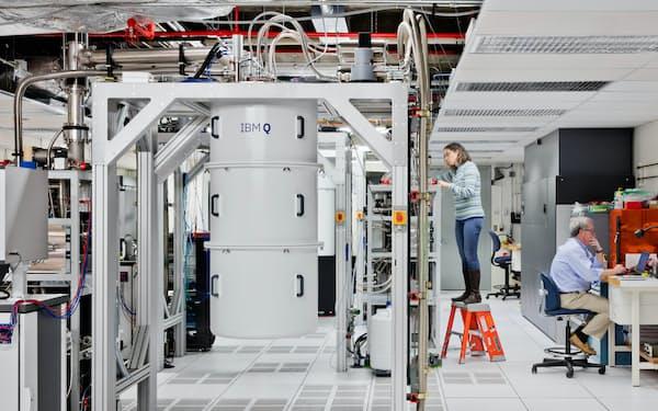 IBMの量子コンピューター(同社提供)