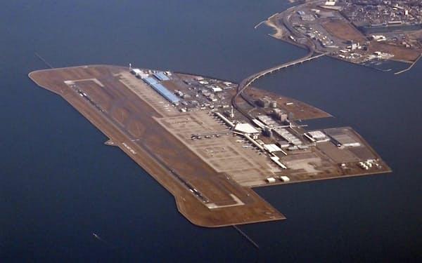 中部国際空港西側(写真左側)の埋め立てを愛知県が承認した
