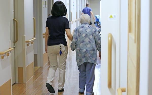 特別養護老人ホームを利用する高齢者