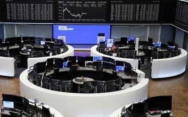 ドイツDAX指数は連日で過去最高値を更新している(4日、フランクフルト証券取引所)=ロイター