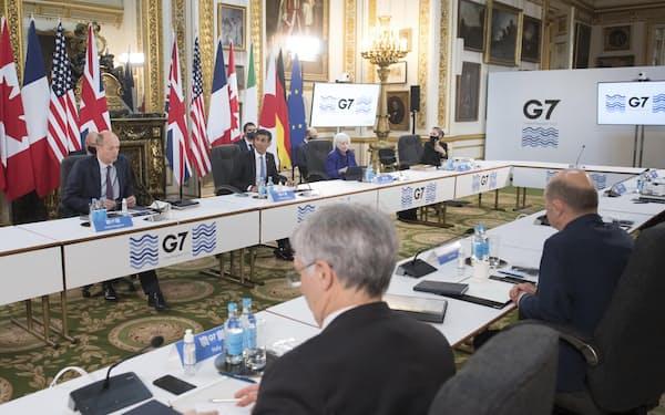 ロンドン市内で開かれた先進7カ国(G7)財務相会合の初日の様子(4日)=AP