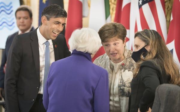 G7の財務相会合は法人税の最低税率について合意した=AP