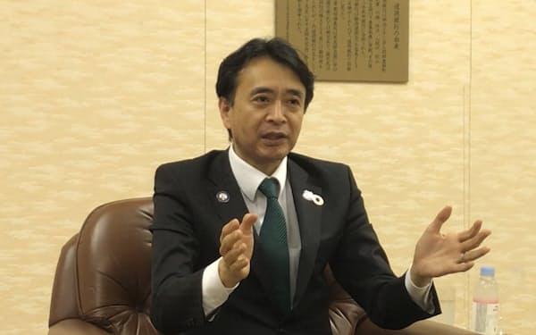 新会社設立について語る福岡社長