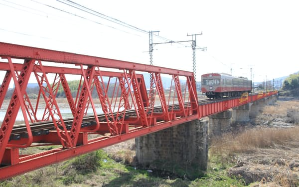 登録有形文化財に指定されている近江鉄道の愛知川橋梁