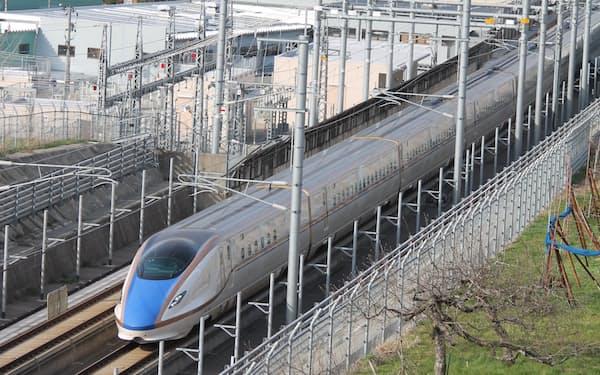 2015年に北陸新幹線が開業し、地域経済の活性化が期待されたが、人口減は止まらなかった。