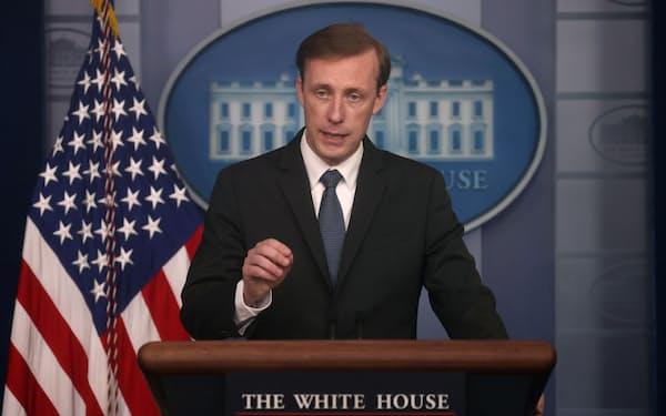 記者会見に臨むサリバン米大統領補佐官(国家安全保障担当)=ロイター