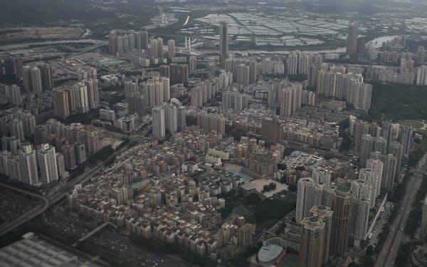 企業も行政も急速な都市化への対応に追われている(広東省深圳市)